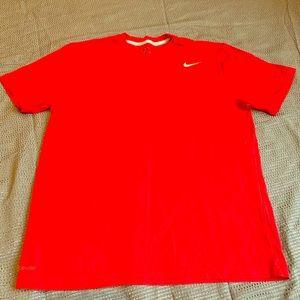 NWOT- NIKE DRI FIT MENS T-Shirt